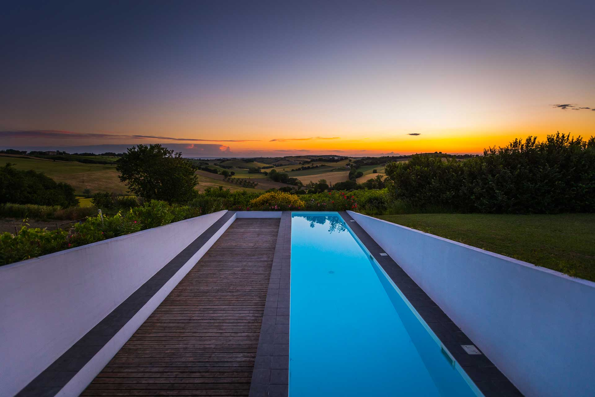 Panorama alba piscina scoperta