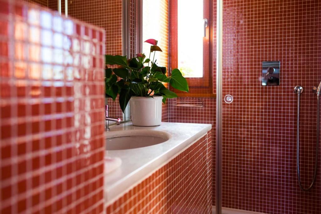 Particolari La Locanda - Fiori in bagno